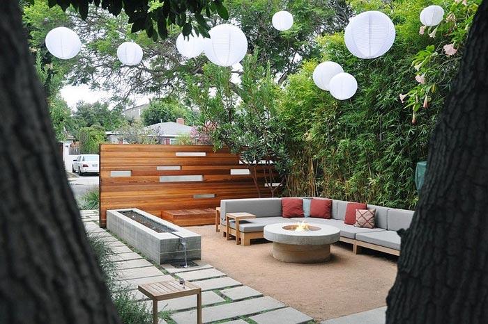 Декоративная-подсветка-загородном-участке