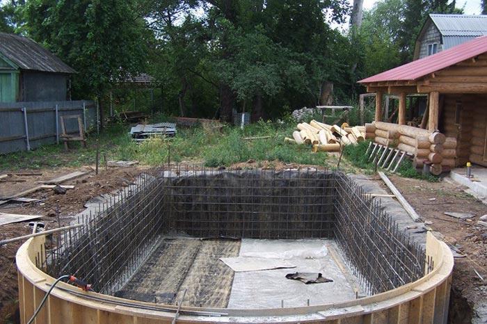 Что потребуется для постройки на даче бассейна